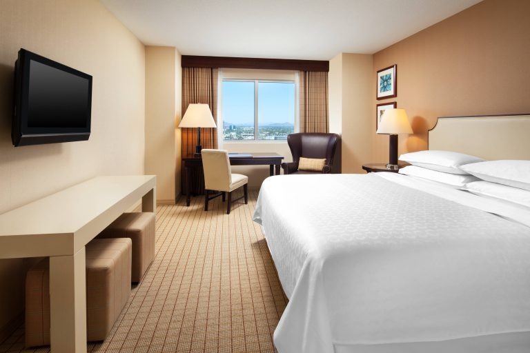 phxgp-guest-room-7702-hor-clsc
